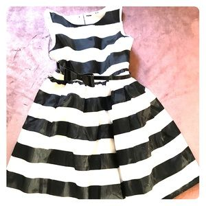 H&M little girls (4-5) years holiday dress